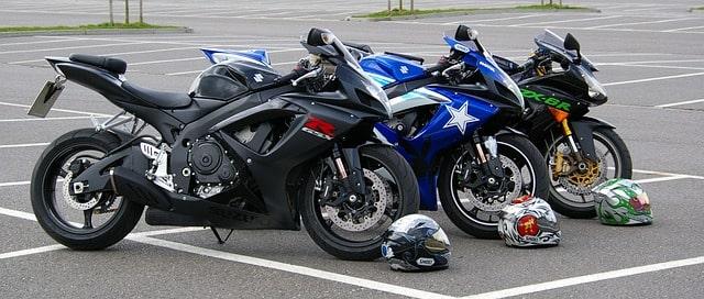 Tre motorcyklar